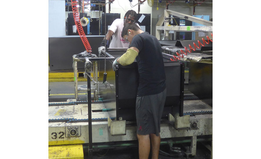 Refrigerator Production Heats Up at GE Appliances