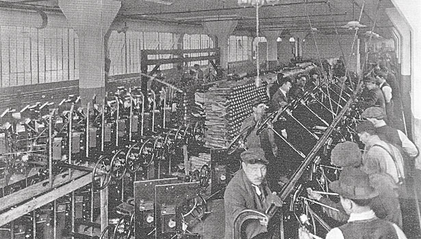 Moving assembly line Henry Ford