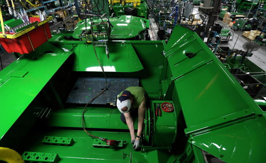 deere manufacturing 900