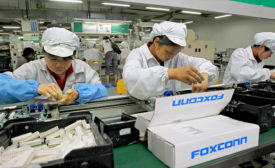 foxconn manufacturing 900