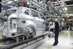 Land Rover manufacturing
